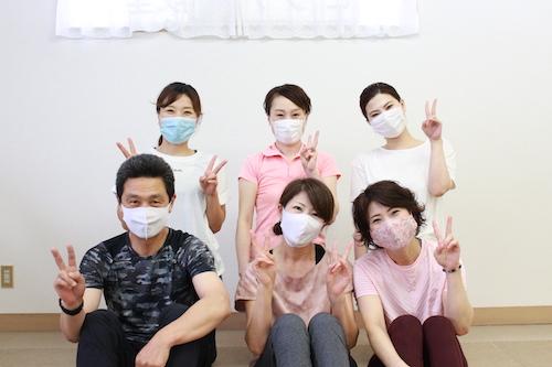 大野城市のヨガスタジオ 月陽ヨガ 生徒さんとの集合写真